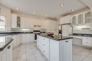 Photo 9: 2575 JADE Place in Coquitlam: Westwood Plateau House for sale : MLS®# R2298096