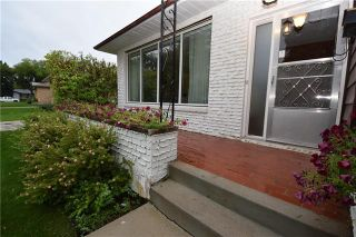 Photo 3: 14 Coralberry Avenue in Winnipeg: Garden City Residential for sale (4G)  : MLS®# 1926397