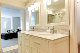 Photo 3: 6308 92B Avenue NW in Edmonton: OTTEWELL House for sale