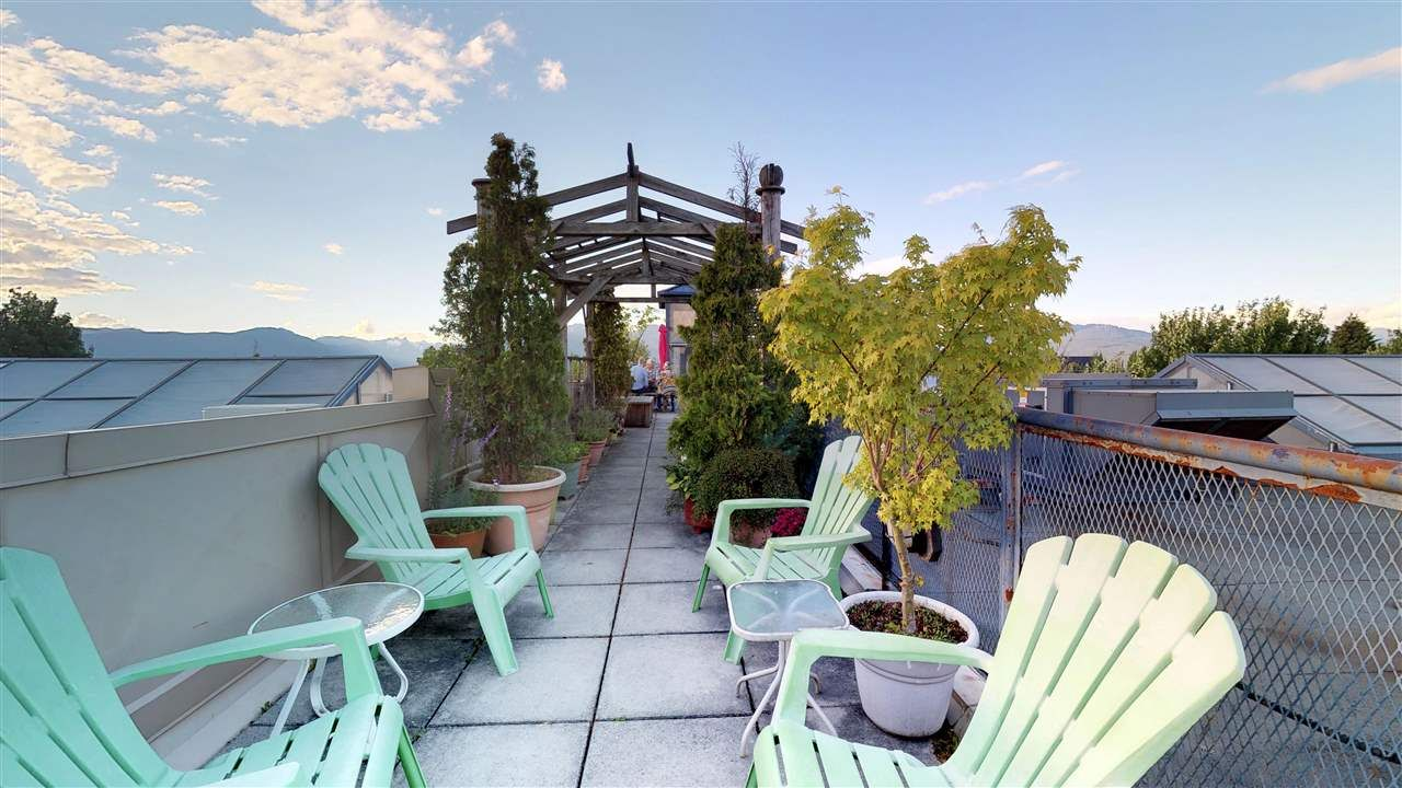 """Photo 10: Photos: 221 2556 E HASTINGS Street in Vancouver: Renfrew VE Condo for sale in """"L'Atelier"""" (Vancouver East)  : MLS®# R2275528"""