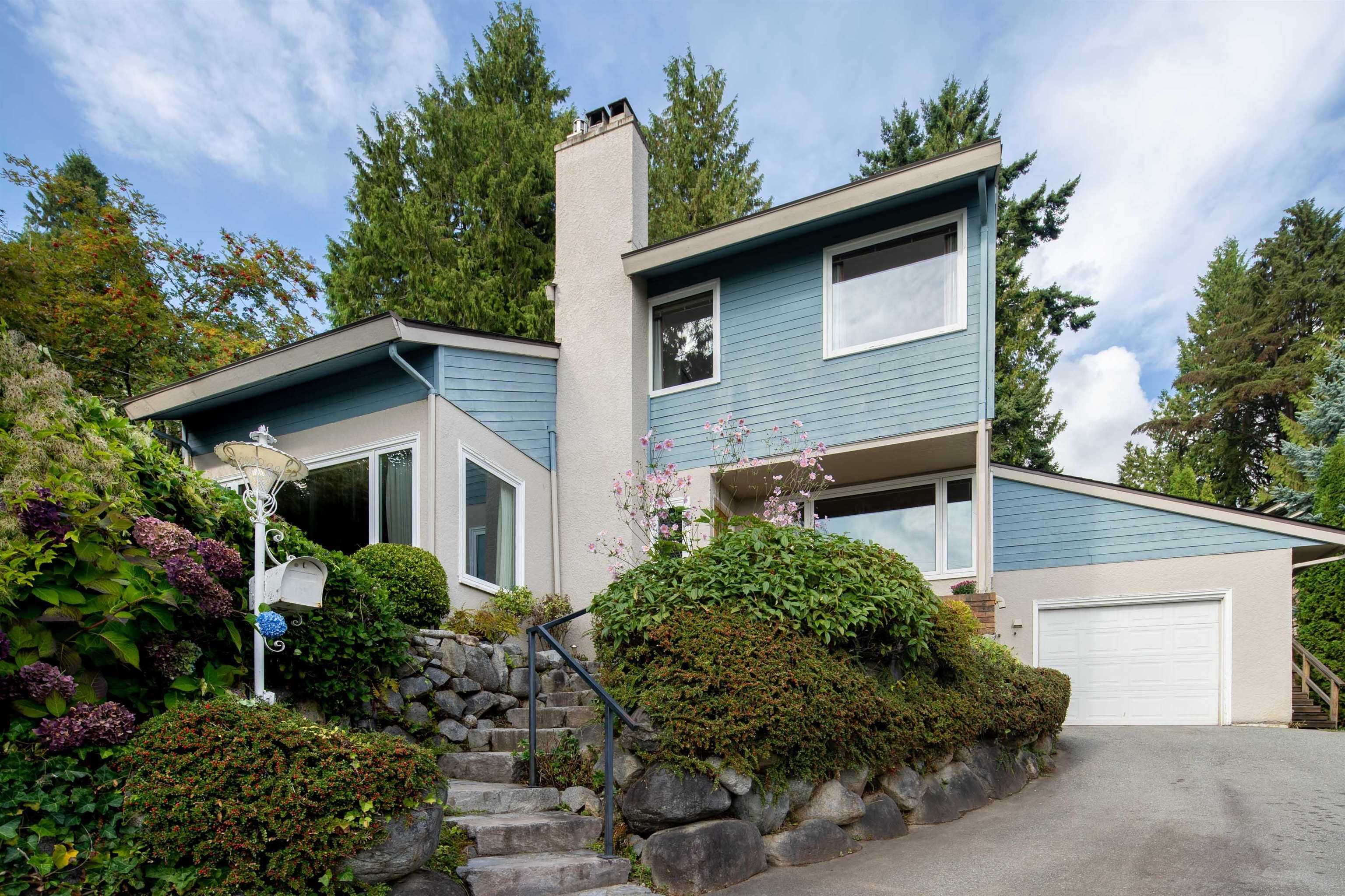 Main Photo: 3381 MATHERS Avenue in West Vancouver: Westmount WV House for sale : MLS®# R2614749