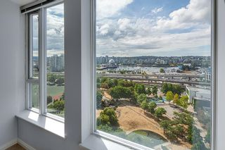 """Photo 7: 2201 550 TAYLOR Street in Vancouver: Downtown VW Condo for sale in """"Taylor"""" (Vancouver West)  : MLS®# R2608847"""