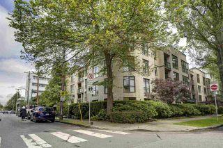 "Photo 13: 102 2181 W 10TH Avenue in Vancouver: Kitsilano Condo for sale in ""The Tenth Avenue"" (Vancouver West)  : MLS®# R2474313"