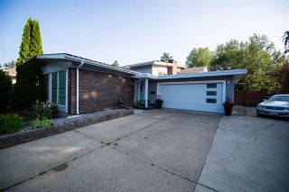 Photo 3: 15 LAWRENCE Crescent: St. Albert House for sale : MLS®# E4211851