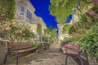 """Photo 2: 236 2565 W BROADWAY Street in Vancouver: Kitsilano Townhouse for sale in """"Trafalgar Mews"""" (Vancouver West)  : MLS®# R2581558"""