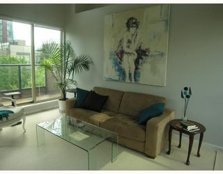 """Photo 8: TH17 969 RICHARDS Street in Vancouver: Downtown VW Townhouse for sale in """"MONDRIAN 2"""" (Vancouver West)  : MLS®# V706935"""