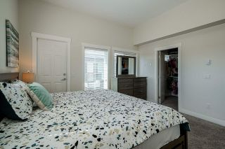 """Photo 19: 39 7247 140 Street in Surrey: East Newton Townhouse for sale in """"GREENWOOD TOWNHOMES"""" : MLS®# R2608113"""