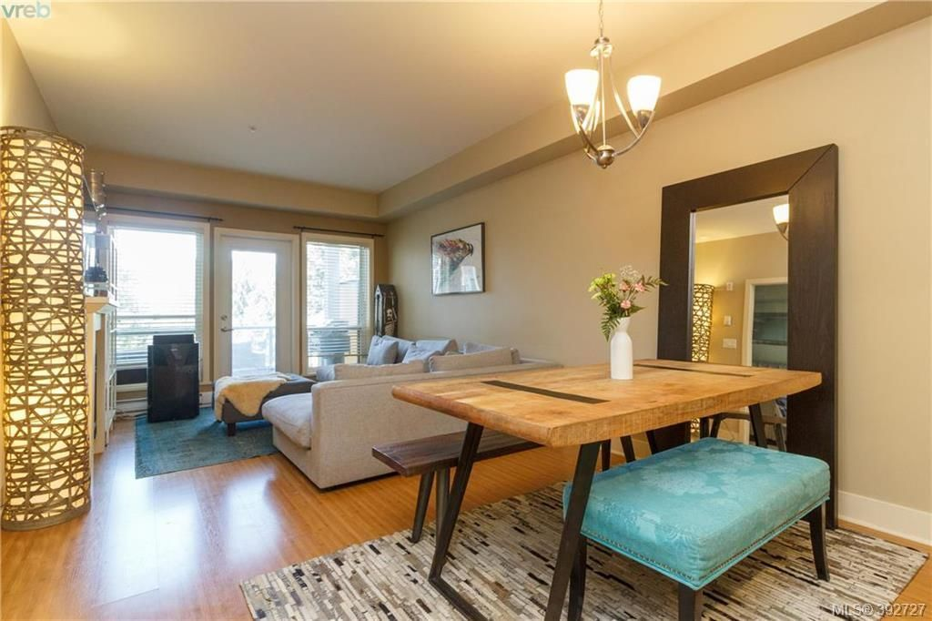 Main Photo: 209 866 Brock Ave in VICTORIA: La Langford Proper Condo for sale (Langford)  : MLS®# 789346