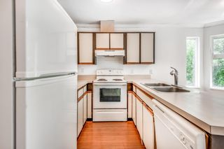 Photo 3: 302 1055 E BROADWAY in Vancouver: Mount Pleasant VE Condo for sale (Vancouver East)  : MLS®# R2603094