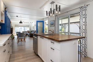 "Photo 7: 71 7850 KING GEORGE Boulevard in Surrey: East Newton Manufactured Home for sale in ""Bear Creek Glen"" : MLS®# R2614023"