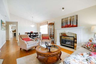 """Photo 4: 19 8555 209 Street in Langley: Walnut Grove Townhouse for sale in """"AUTUMNWOOD"""" : MLS®# R2575003"""