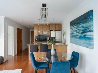 """Photo 3: 1006 1189 MELVILLE Street in Vancouver: Coal Harbour Condo for sale in """"The Melville"""" (Vancouver West)  : MLS®# R2519341"""