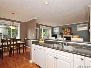 Photo 10: 969 Cavalcade Terr in VICTORIA: La Florence Lake House for sale (Langford)  : MLS®# 622566