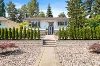 Photo 1: 512 W 24TH Street in North Vancouver: Central Lonsdale House for sale : MLS®# R2605824