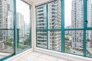 "Photo 11: 1204 939 HOMER Street in Vancouver: Yaletown Condo for sale in ""THE PINNACLE"" (Vancouver West)  : MLS®# R2204695"