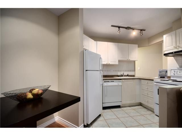 Photo 4: Photos: 307 2025 STEPHENS Street in Vancouver: Kitsilano Condo for sale (Vancouver West)  : MLS®# V980247