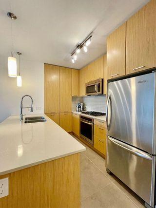Photo 5: 2308 301 CAPILANO Road in Port Moody: Port Moody Centre Condo for sale : MLS®# R2576585