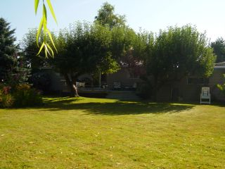 Photo 2: 6575 DOGWOOD Drive in Sardis: Sardis West Vedder Rd House for sale : MLS®# H2602965