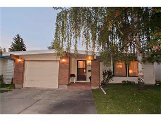 Photo 1: 920 CANNELL Road SW in Calgary: Canyon Meadows House for sale : MLS®# C4031766