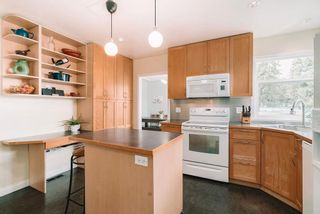 Photo 12: 927 BURNABY Street in New Westminster: The Heights NW House for sale : MLS®# R2614368
