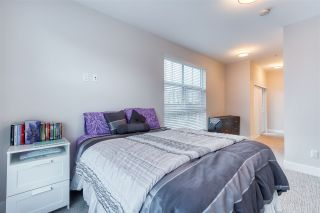 Photo 4: 302 14605 MCDOUGALL Drive in White Rock: King George Corridor Condo for sale (South Surrey White Rock)  : MLS®# R2476304