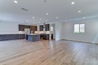 Photo 2: MISSION VALLEY House for rent : 4 bedrooms : 8348 Summit Way in San Diego