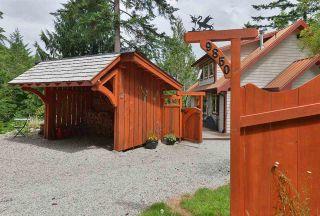 Photo 3: 9850 MCKENZIE Road in Halfmoon Bay: Halfmn Bay Secret Cv Redroofs House for sale (Sunshine Coast)  : MLS®# R2592680