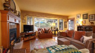 Photo 2: 2872 WEMBLEY DRIVE in North Vancouver: Westlynn Terrace House for sale : MLS®# R2035461