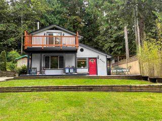 Photo 1: 5747 NAYLOR Road in Sechelt: Sechelt District House for sale (Sunshine Coast)  : MLS®# R2592089
