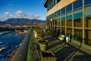 "Photo 7: 2601 555 JERVIS Street in Vancouver: Coal Harbour Condo for sale in ""HARBOURSIDE PARK II"" (Vancouver West)  : MLS®# R2614500"
