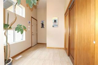 Photo 6: 11 Autumnview Drive in Winnipeg: South Pointe Residential for sale (1R)  : MLS®# 202118163