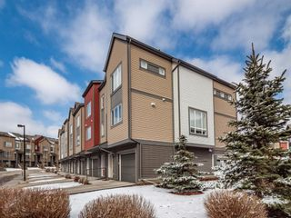 Photo 2: 210 Copperpond Row SE in Calgary: Copperfield Row/Townhouse for sale : MLS®# A1086847