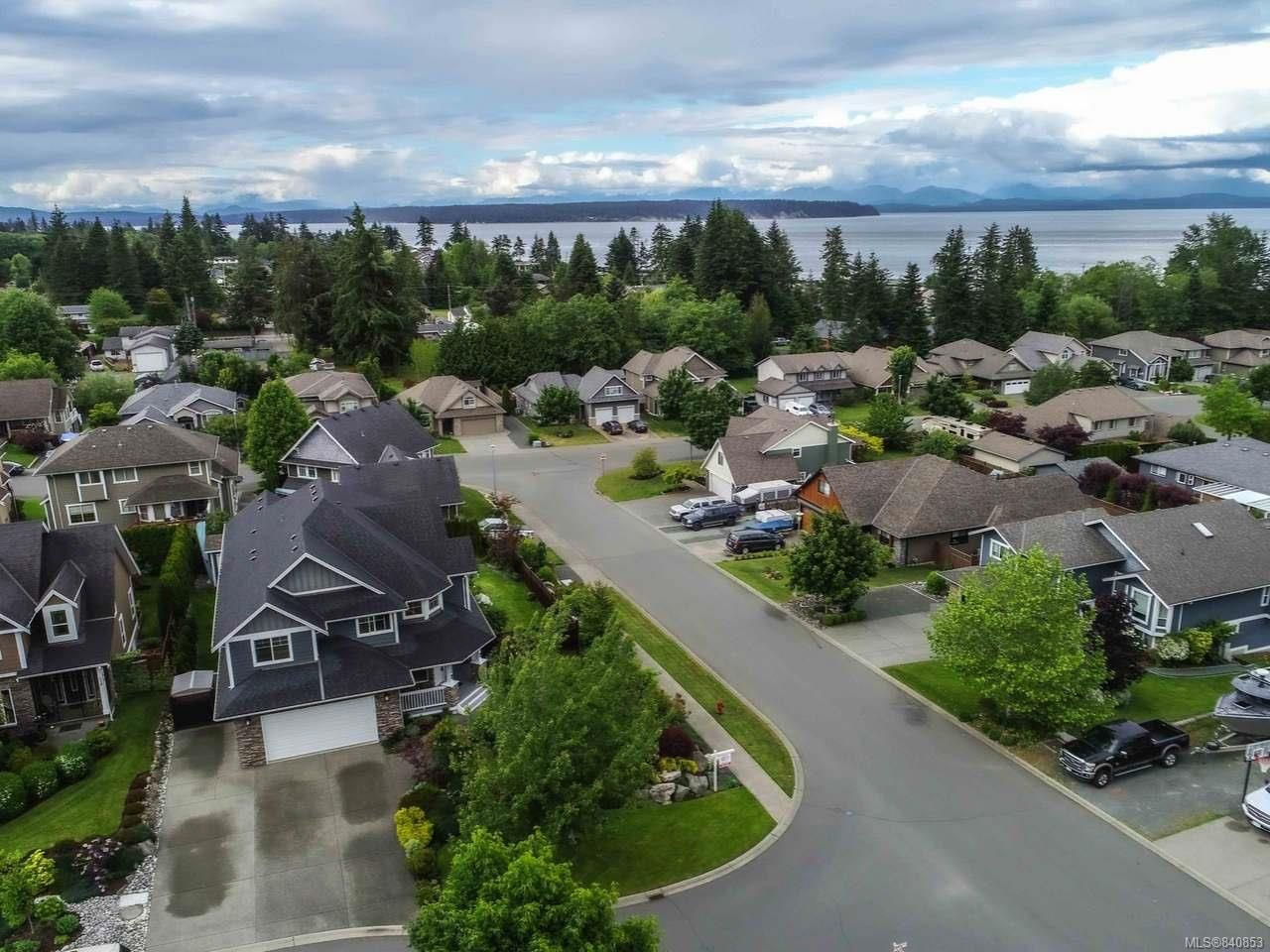 Photo 2: Photos: 206 Marie Pl in CAMPBELL RIVER: CR Willow Point House for sale (Campbell River)  : MLS®# 840853