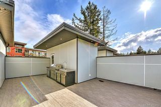 Photo 11: 105 694 Hoylake Ave in VICTORIA: La Thetis Heights Row/Townhouse for sale (Langford)  : MLS®# 824850