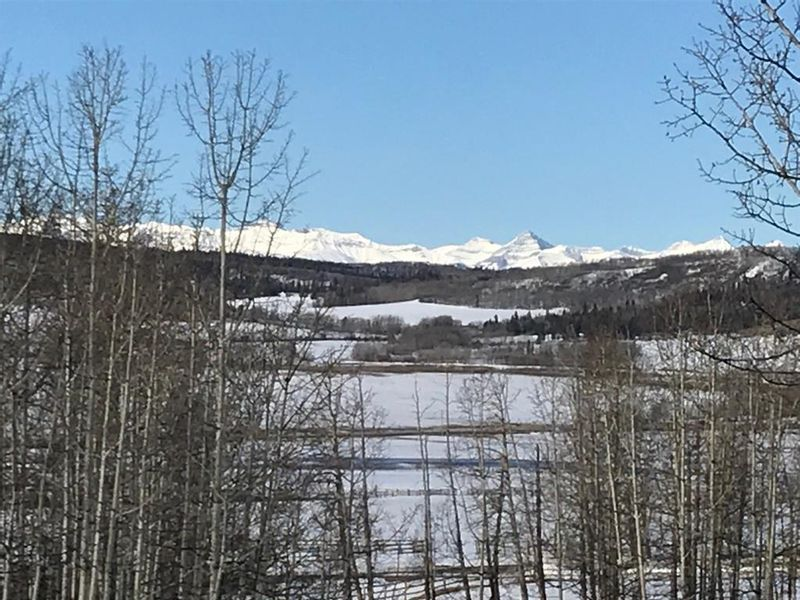 FEATURED LISTING: 208016 365 Avenue West Rural Foothills County