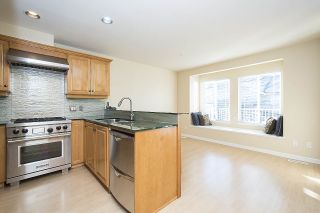 Photo 5: 275 E 5TH STREET in North Vancouver: Lower Lonsdale Townhouse for sale : MLS®# R2332474
