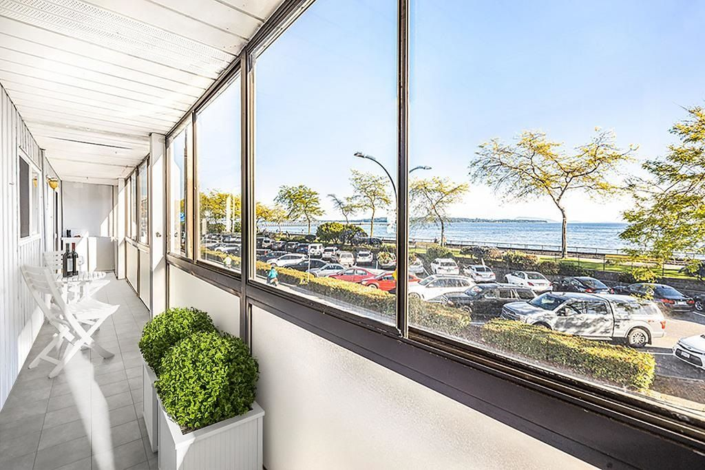 """Photo 3: Photos: 111 14881 MARINE Drive: White Rock Condo for sale in """"DRIFTWOOD ARMS"""" (South Surrey White Rock)  : MLS®# R2595780"""