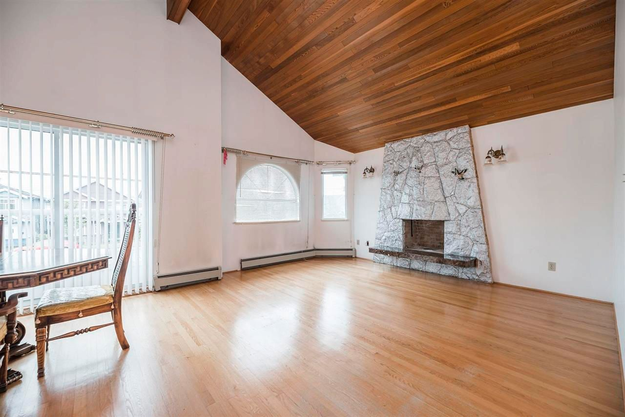 Photo 4: Photos: 5984 E VICTORIA Drive in Vancouver: Killarney VE House for sale (Vancouver East)  : MLS®# R2571656