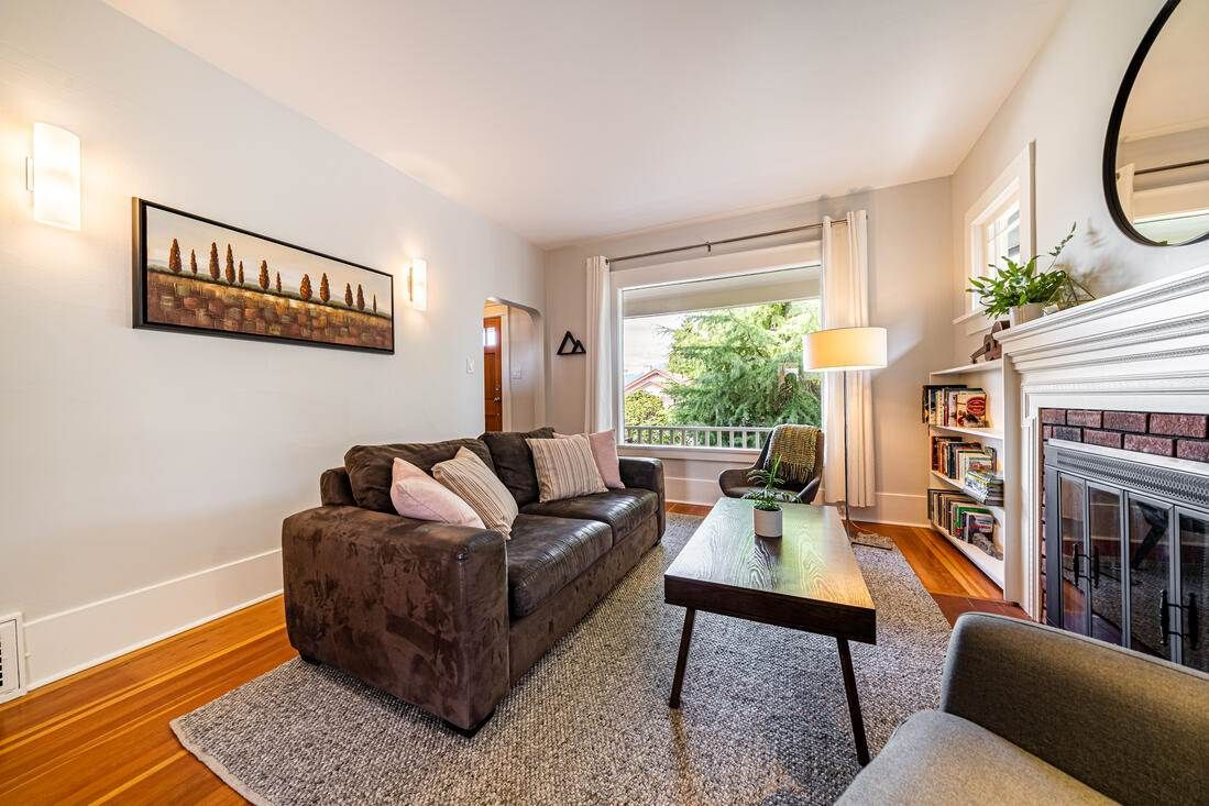 Photo 6: Photos: 2566 DUNDAS Street in Vancouver: Hastings House for sale (Vancouver East)  : MLS®# R2563281