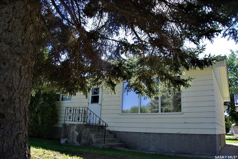 FEATURED LISTING: 417 3rd Street South Kipling