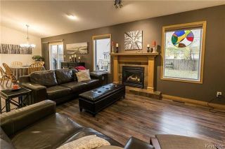 Photo 3: 215 2nd Avenue South in Niverville: Residential for sale (R07)  : MLS®# 1804234