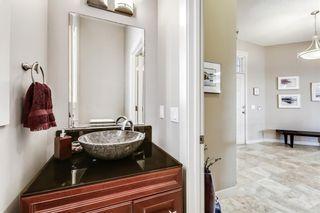 Photo 16: 68 CRESTRIDGE Way SW in Calgary: Crestmont House for sale : MLS®# C4128621