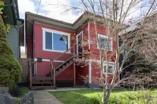 Photo 1: 266 E 26TH AVENUE in Vancouver: Main House for sale (Vancouver East)  : MLS®# R2358788