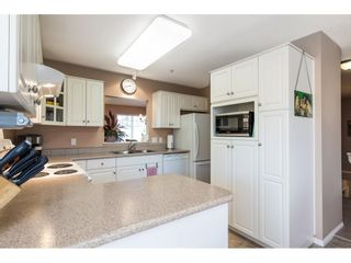 """Photo 7: 41 20222 96 Avenue in Langley: Walnut Grove Townhouse for sale in """"Windsor Gardens"""" : MLS®# R2597254"""