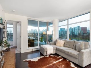 Photo 2: 306 1708 COLUMBIA STREET in Vancouver: False Creek Condo for sale (Vancouver West)  : MLS®# R2341537