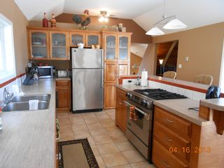 Photo 5:  in Anglemont: North Shuswap House for sale (Shuswap)  : MLS®# 10063369