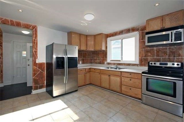 Photo 7: Photos: Main 50 S Wilson Road in Oshawa: Central House (Bungalow) for lease : MLS®# E3980743