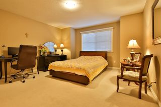 Photo 13: 104 16995 64 AVENUE in Surrey: Cloverdale BC Townhouse for sale (Cloverdale)  : MLS®# R2240642