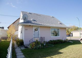 Photo 1: 724 Polson Avenue in Winnipeg: Sinclair Park Residential for sale (4C)  : MLS®# 202108837