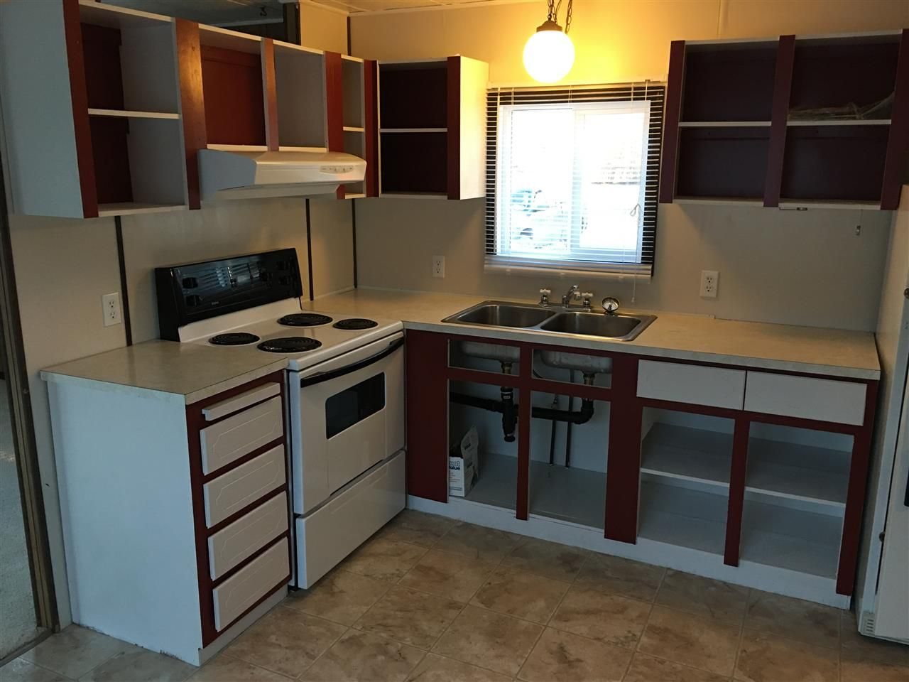 Photo 3: Photos: 10049 100A Street: Taylor Manufactured Home for sale (Fort St. John (Zone 60))  : MLS®# R2563225